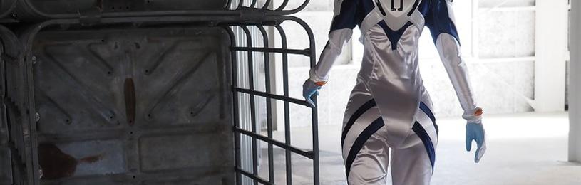『エヴァンゲリオン』プラグスーツを着用した綾波レイの関節可動型等身大フィギュアが登場。価格は198万円@ファミ通.com
